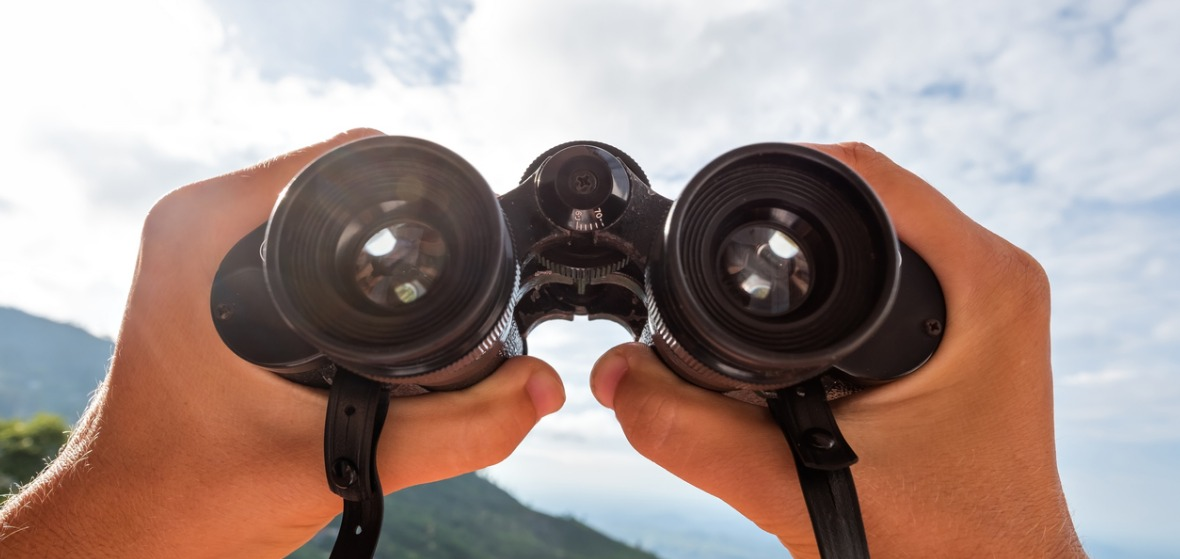 Binoculars Buying Guide - Everything You Need To Know In One